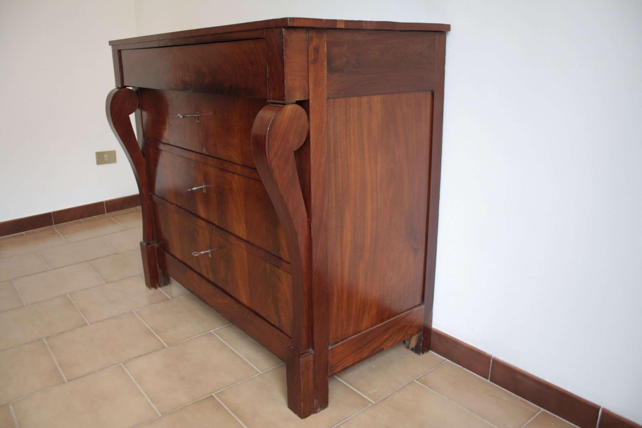 Dresser dans le style Second Empire, début du XXe siècle, du Nord Italy