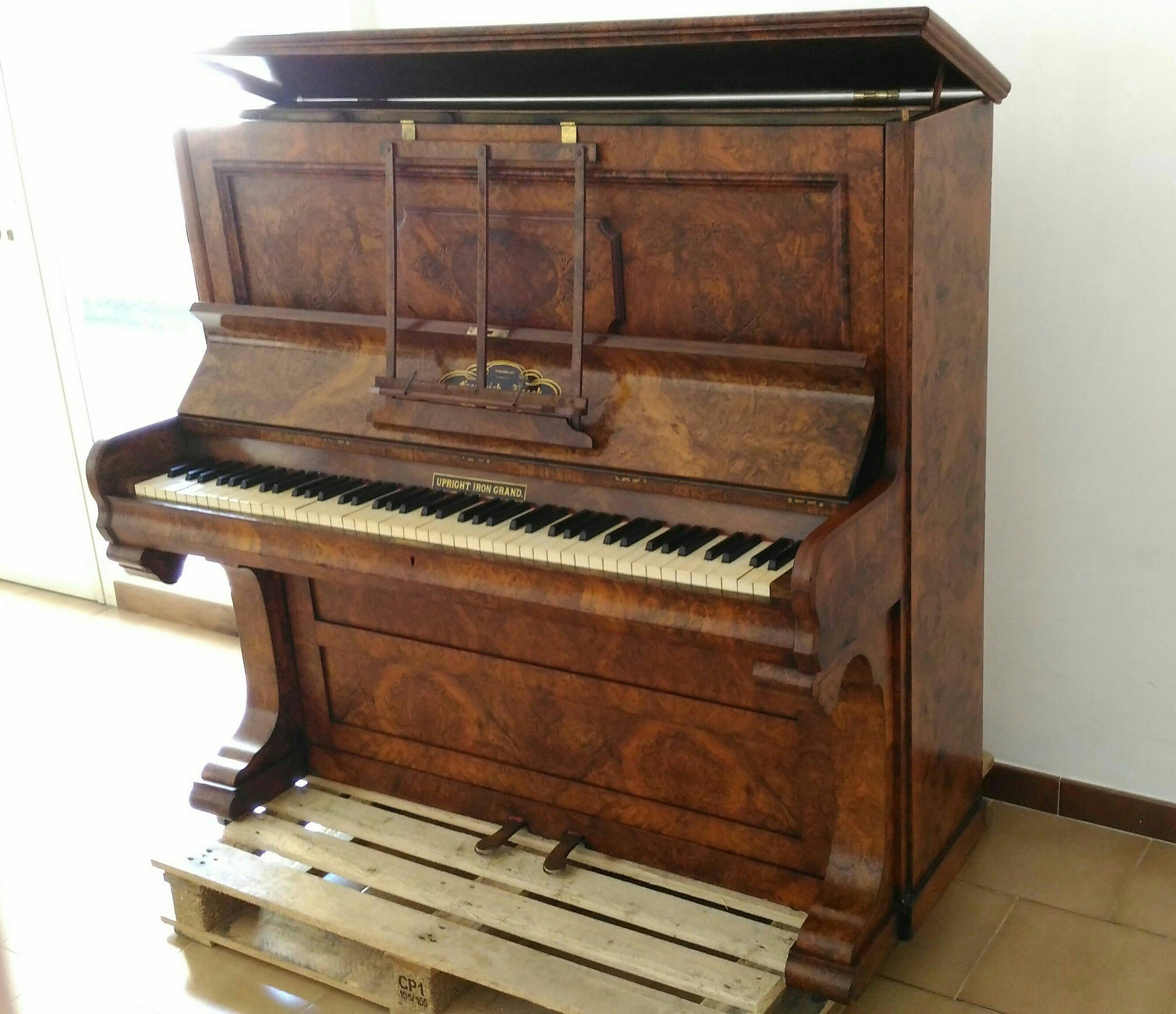 Piano droit Frederick Reach, 1870, Londres