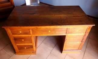 Bureau en noyer ancien restauré sept tiroirs avec bureau rabattable